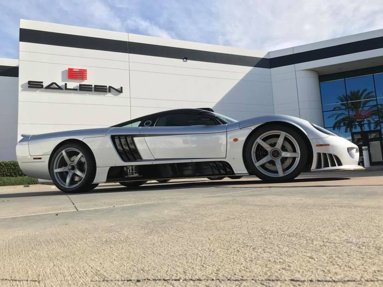Reborn Saleen S7 Le Mans Edition Unveiled With 1 300 HP CarBuzz