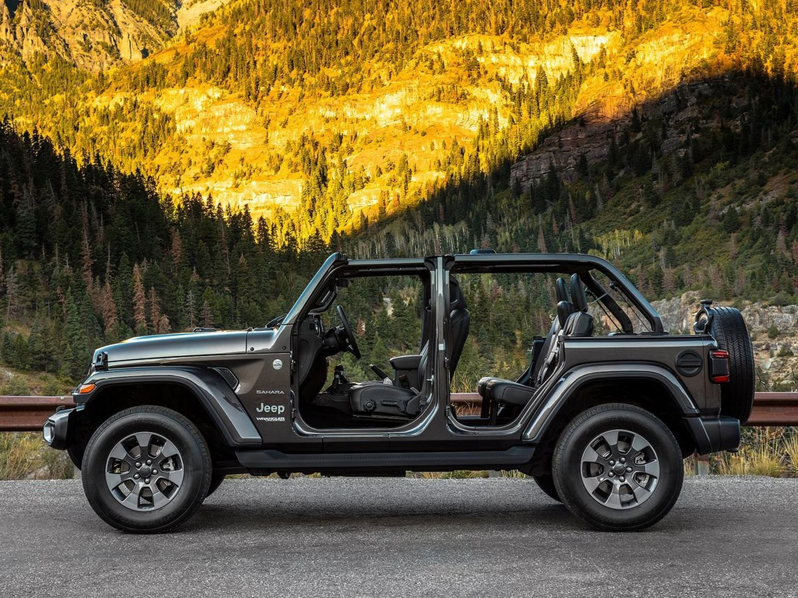 is the new jeep wrangler unlimited cheaper to lease than the old one carbuzz. Black Bedroom Furniture Sets. Home Design Ideas
