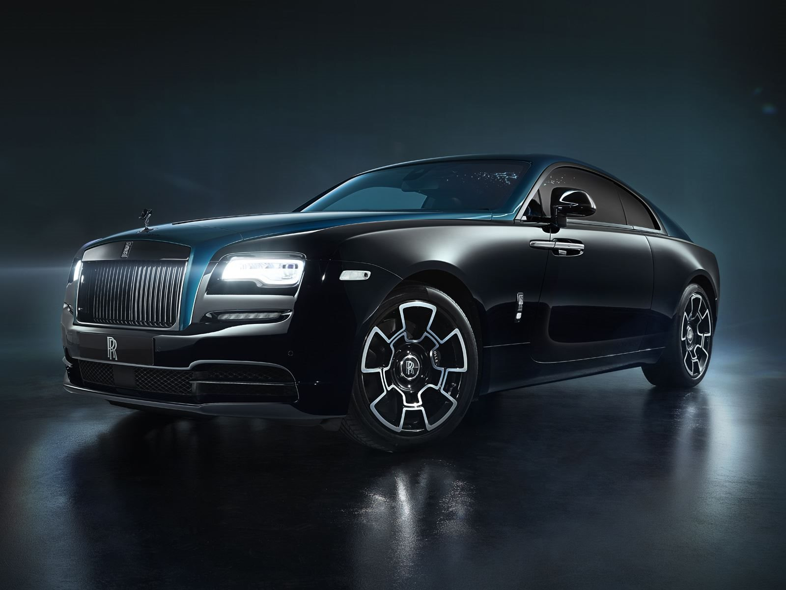 2019 Rolls Royce Ghost >> Rolls-Royce Wraith And Dawn Adamas Black Badge Collection Revealed - CarBuzz