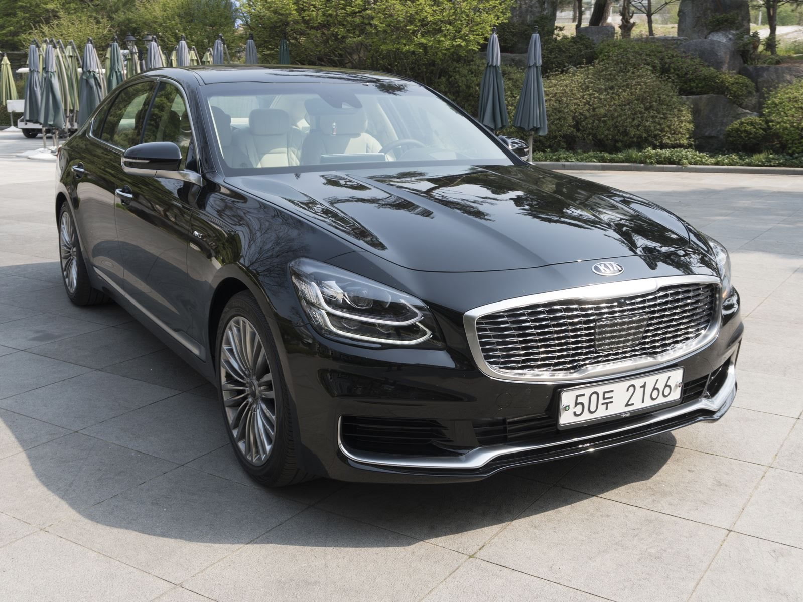 2019 Kia K900 First Drive Review Proof Kia Can Mix It With The Big