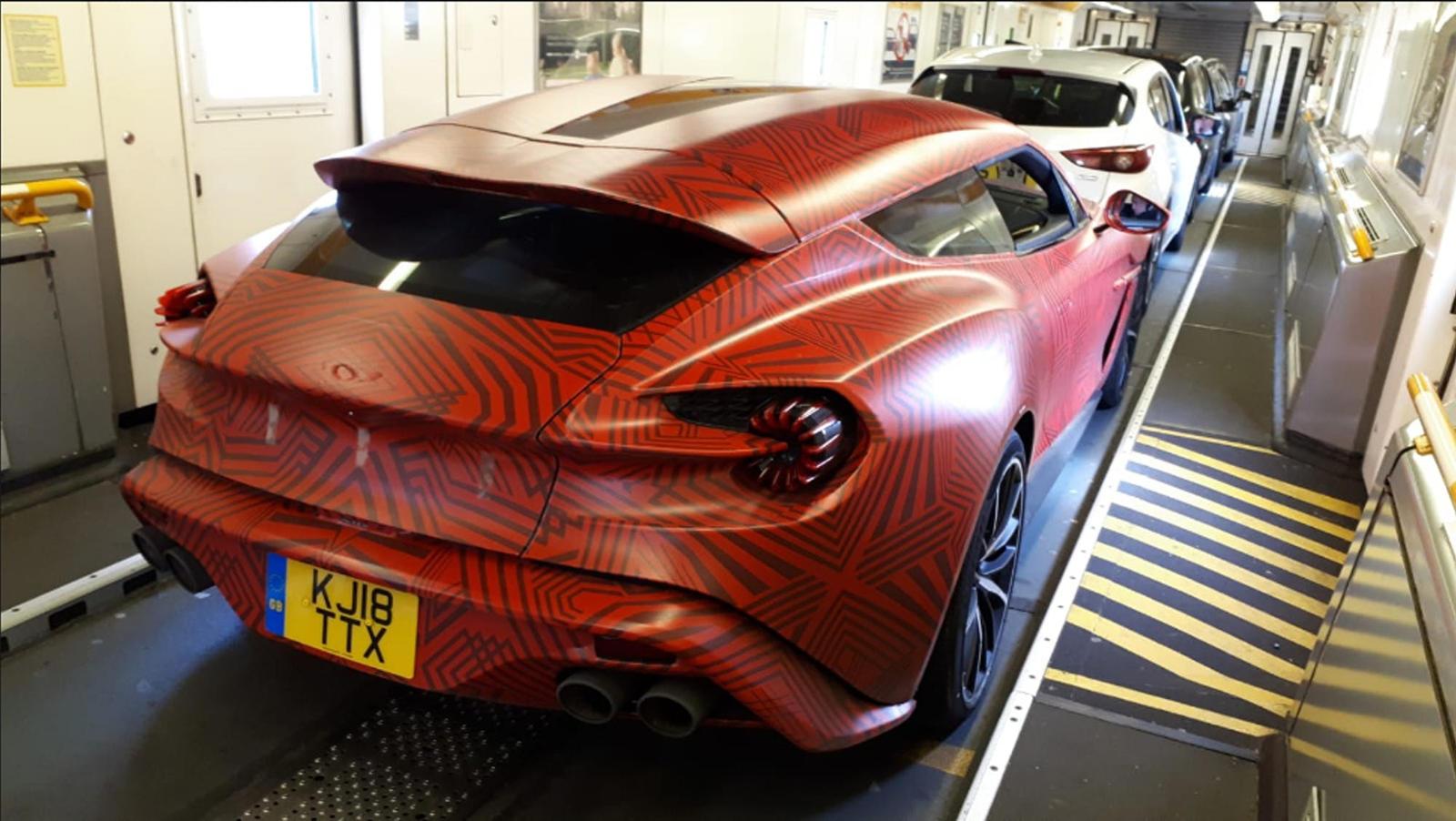 Aston Martin Vanquish Zagato Shooting Brake Looks Breathtakingly Beautiful In The Metal - CarBuzz