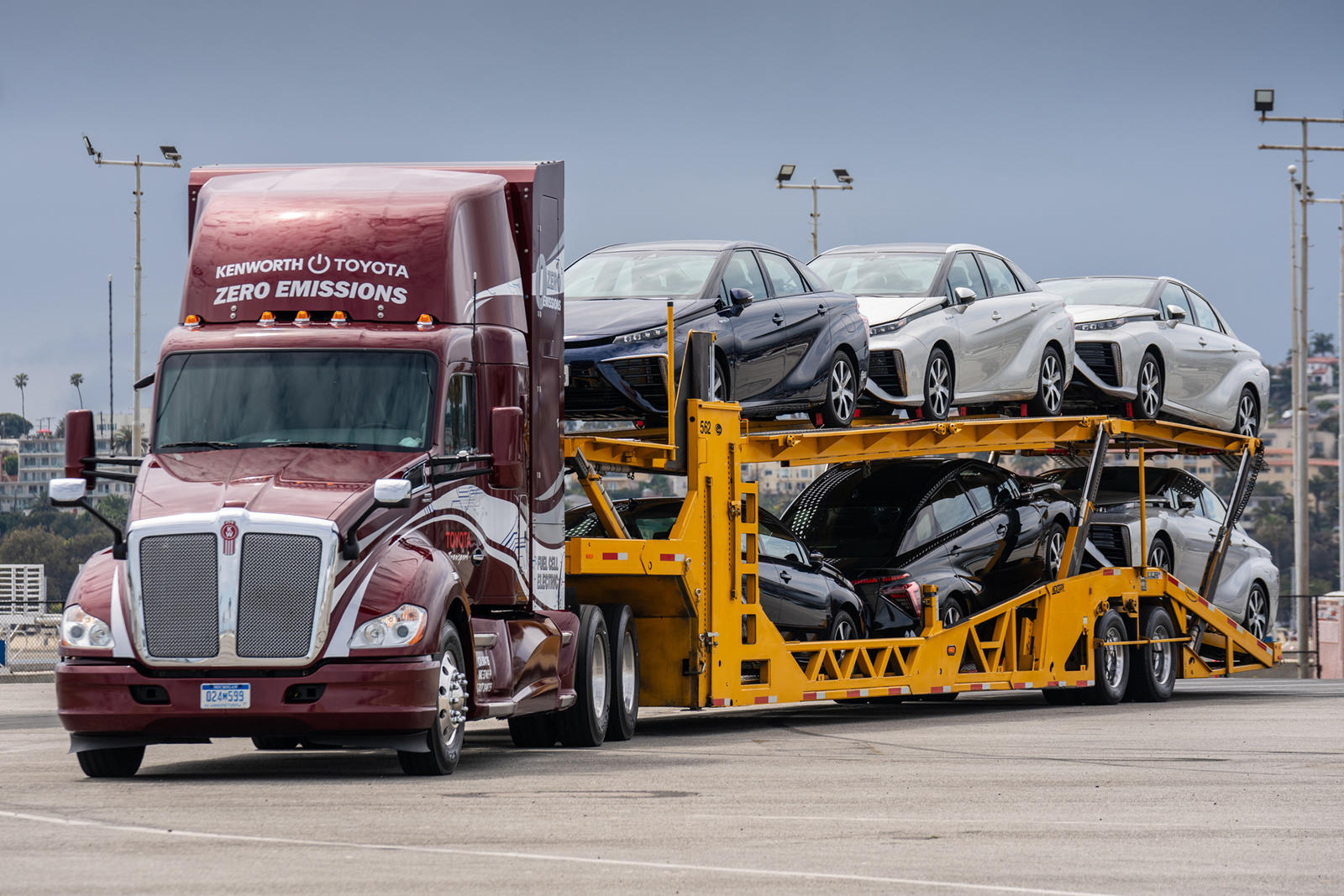 Toyota's Hydrogen Semi Trucks Coming To LA Streets