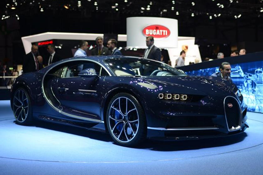 The Bugatti Chiron Still Drops Jaws At Geneva A Year After Its Debut ...