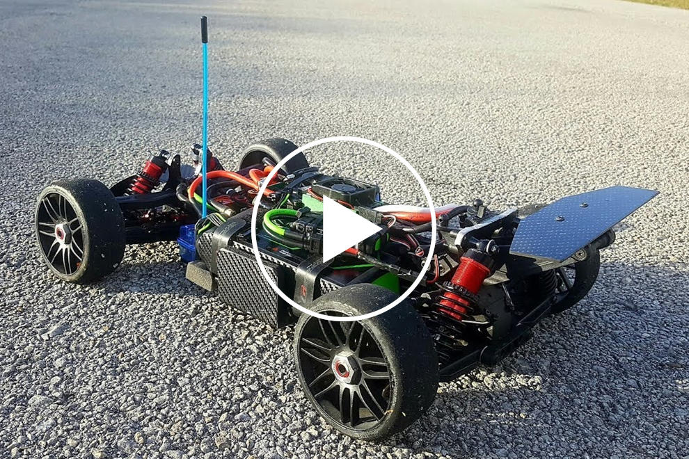 This RC Car Can Keep Up With A Bugatti Chiron