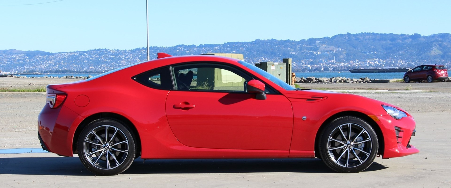 2016 Toyota GT86 Review: Here's Why We Love It - CarBuzz