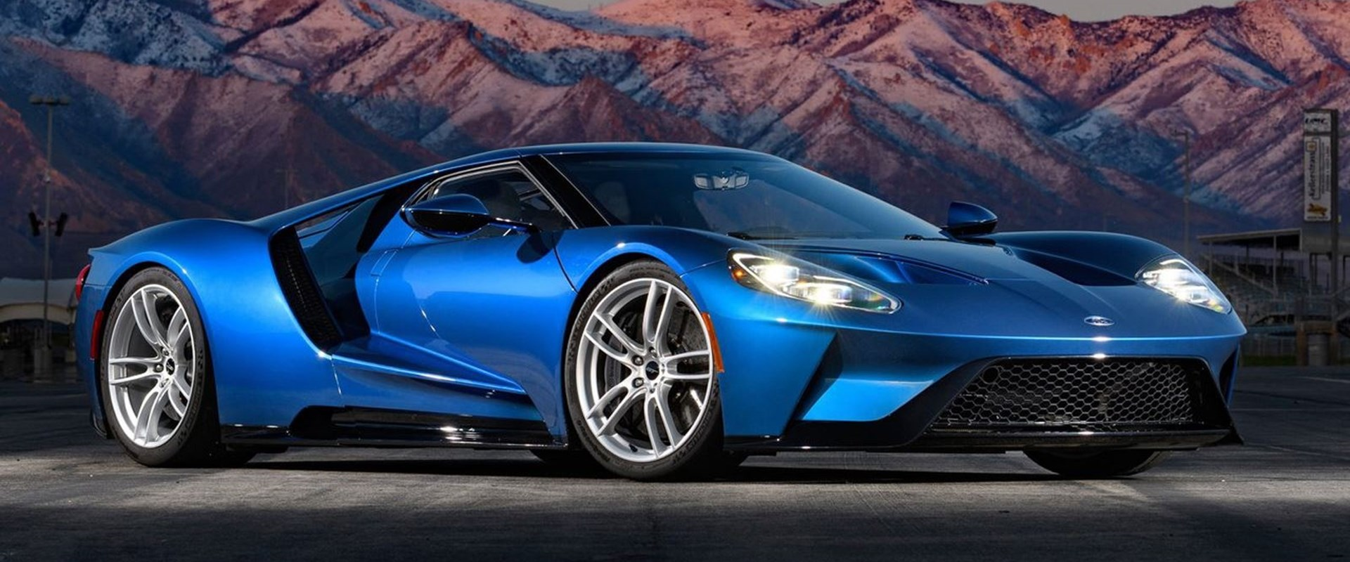Why Did This 2017 Ford Gt Sell For 2 55 Million Carbuzz