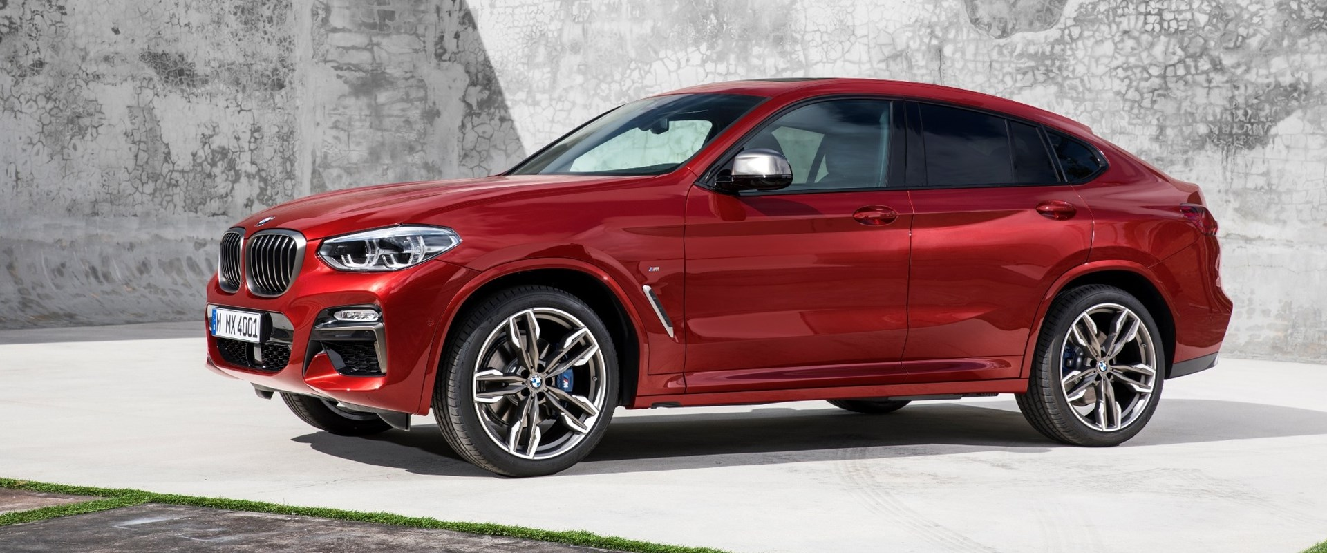 2019 bmw x4 first look review your x3 coupe has arrived carbuzz. Black Bedroom Furniture Sets. Home Design Ideas