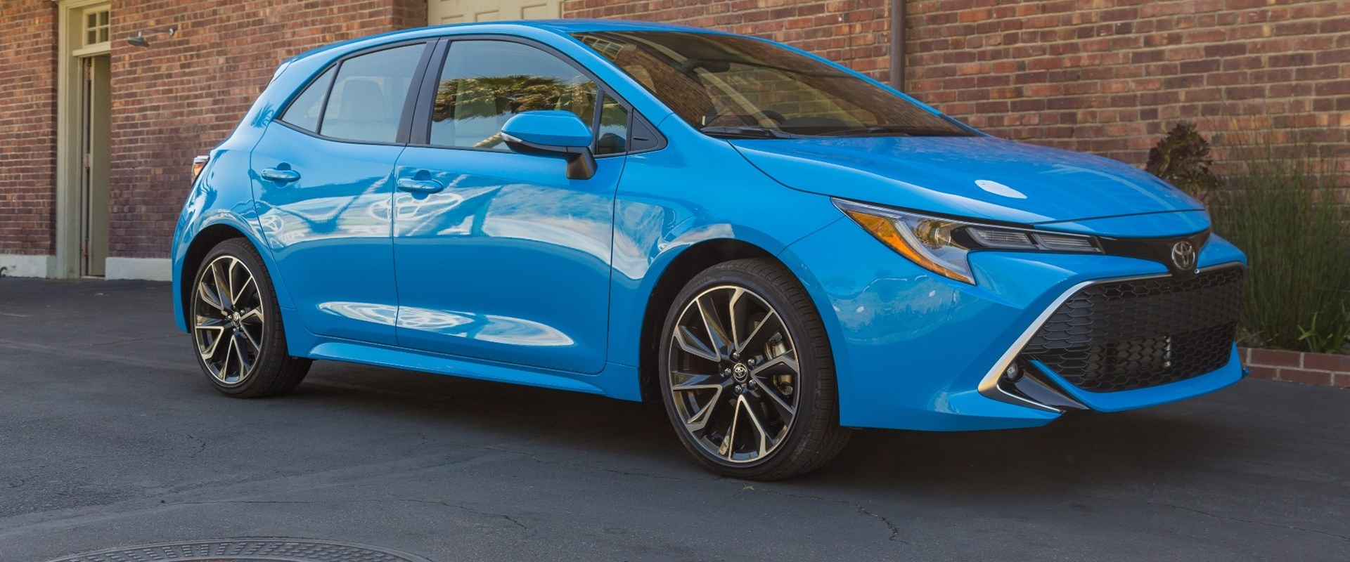 2019 toyota corolla hatchback first drive review antidote to boring rh carbuzz com Toyota Corolla Hatch 2007 Yaris Hatch