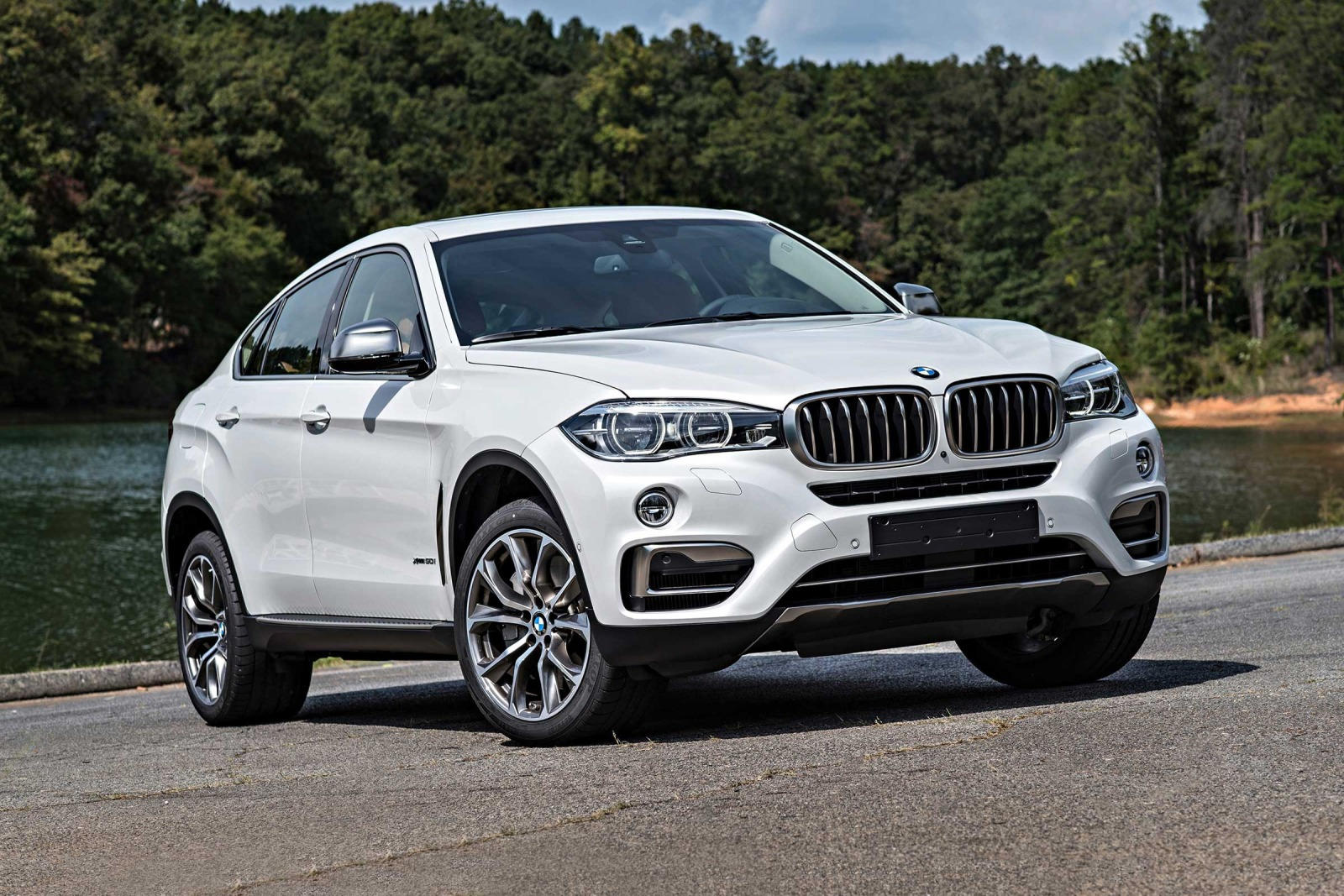 2018 bmw x6 suv review trims specs and price carbuzz. Black Bedroom Furniture Sets. Home Design Ideas