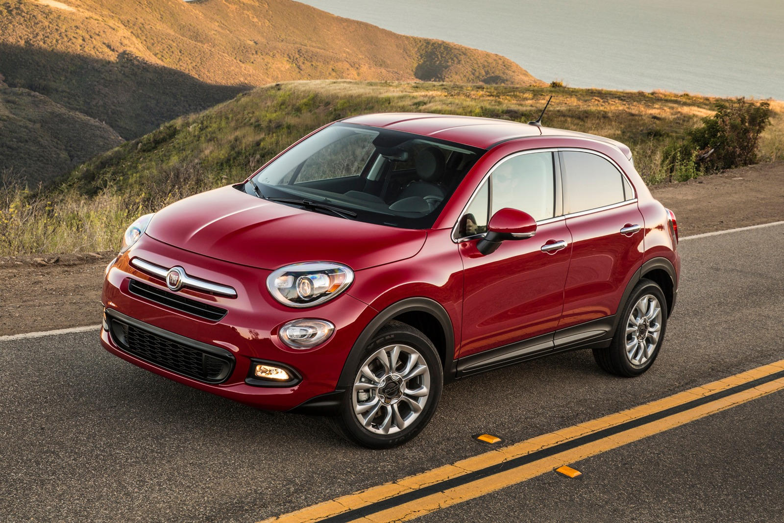 2018 fiat 500x crossover review trims specs and price carbuzz. Black Bedroom Furniture Sets. Home Design Ideas