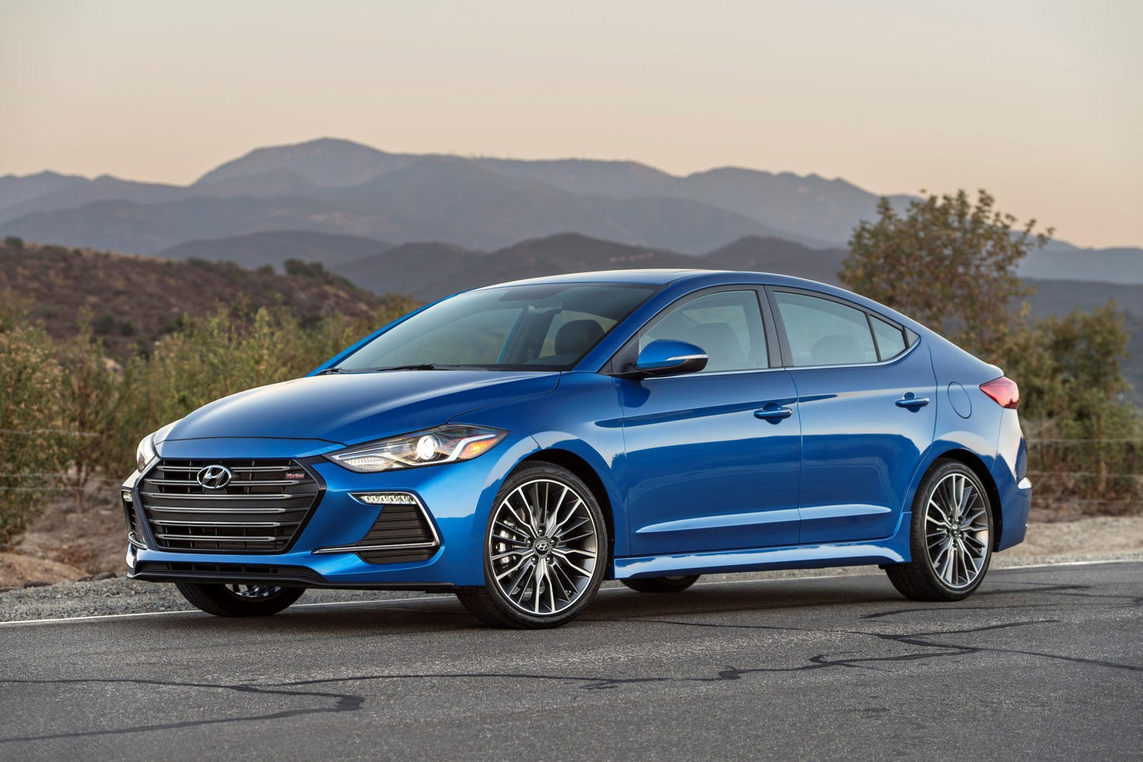 2017 Hyundai Elantra will surprise with its 200-strong Sport modification 62