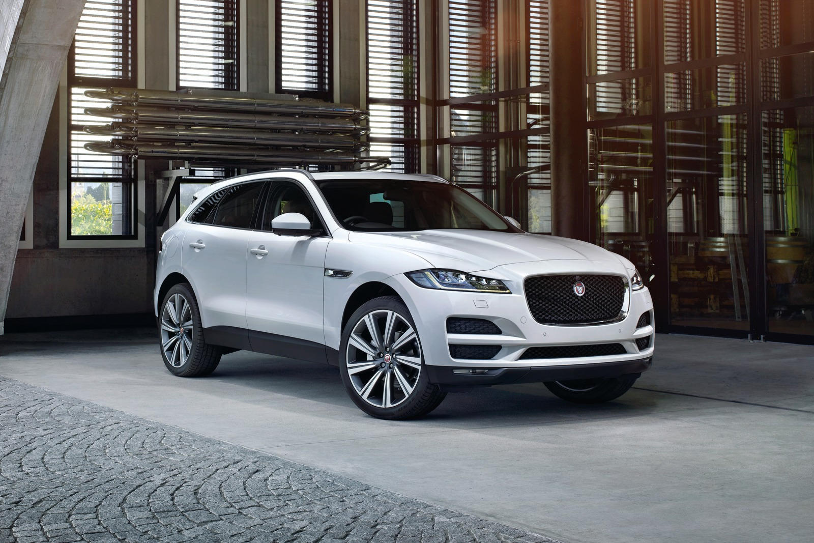 2018 jaguar f pace review trims specs and price carbuzz. Black Bedroom Furniture Sets. Home Design Ideas