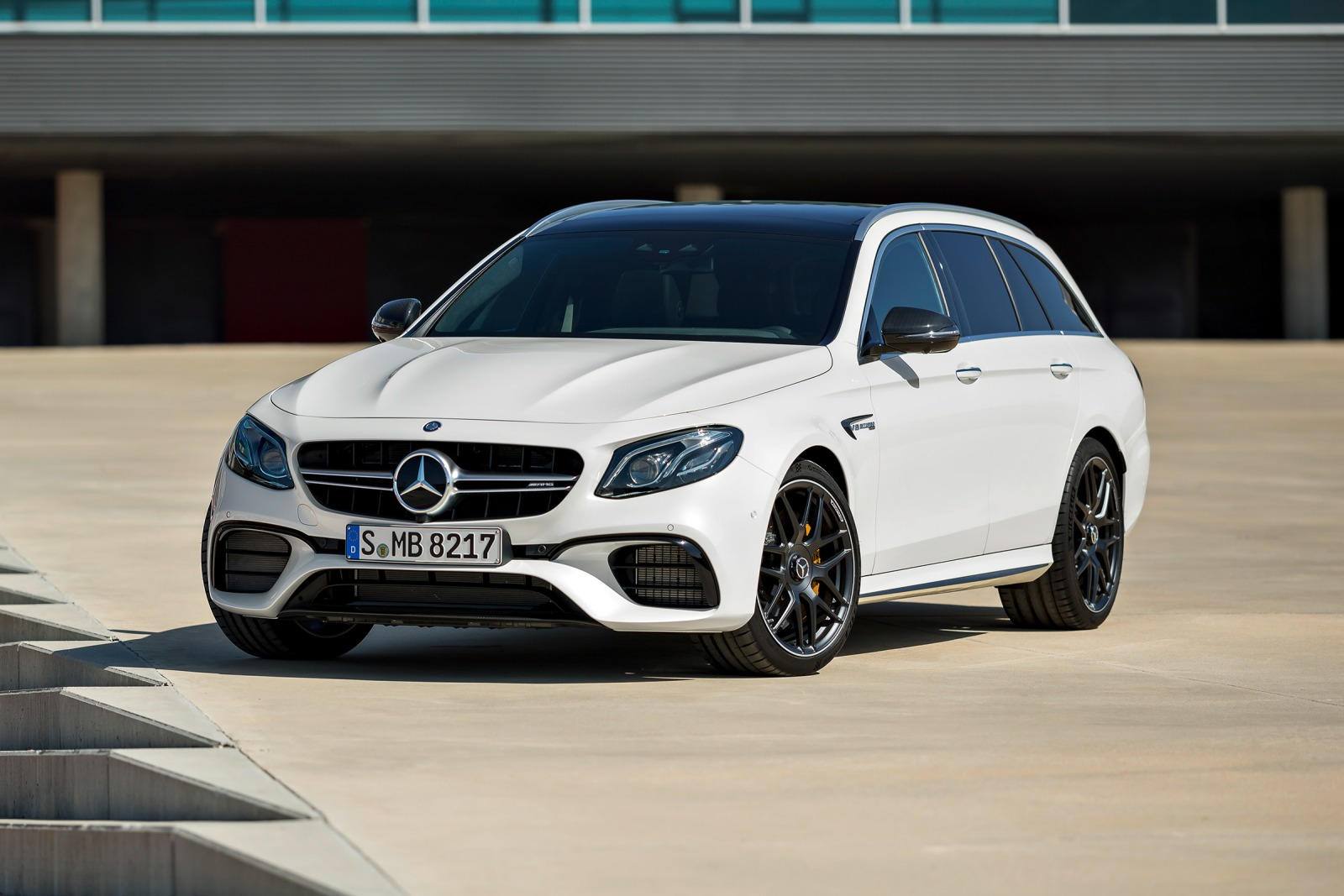 2018 mercedes amg e63 s wagon review trims specs and for Mercedes benz e63 s amg