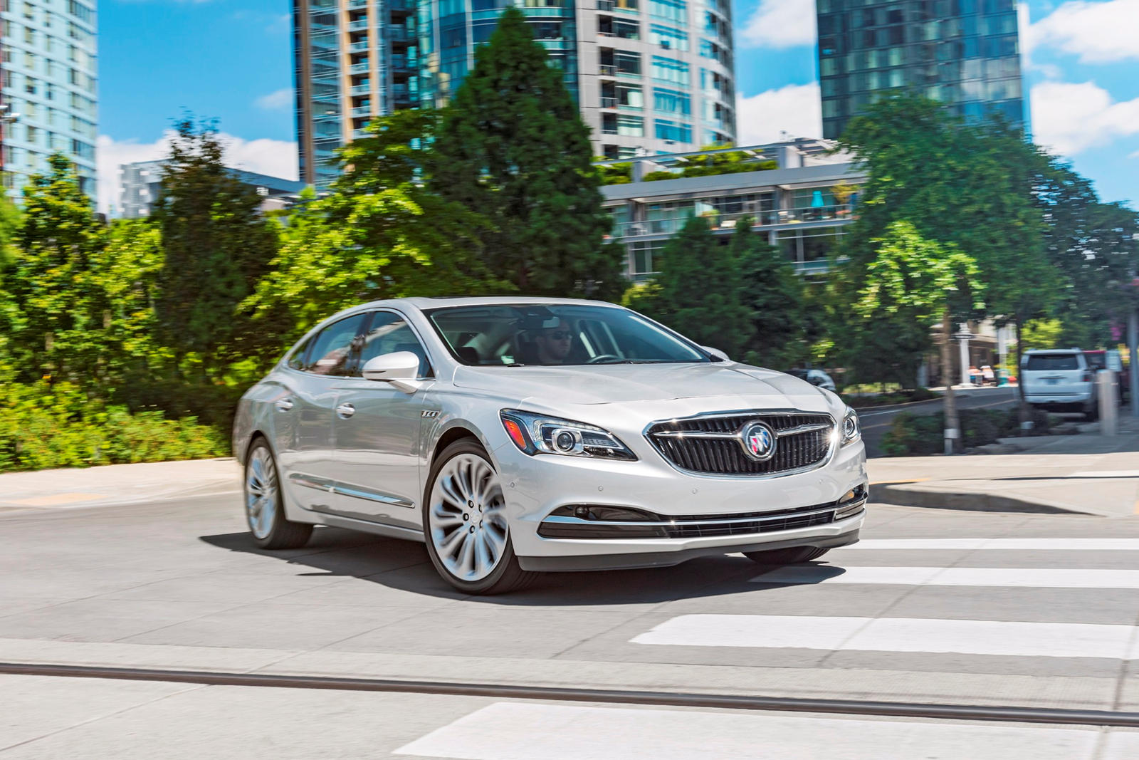 from dealership premium models lacrosse buick your new on windsor awd reaume