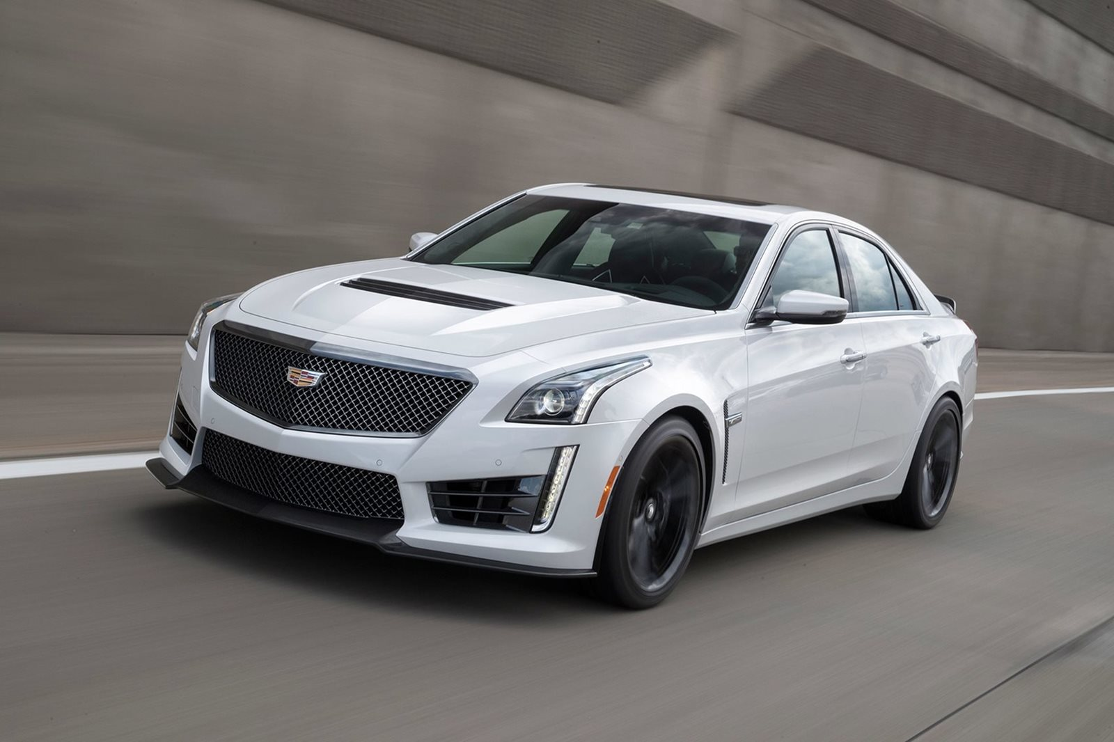 Cadillac Ats V Coupe >> 2018 Cadillac Ats V Coupe Review Trims Specs And Price Carbuzz