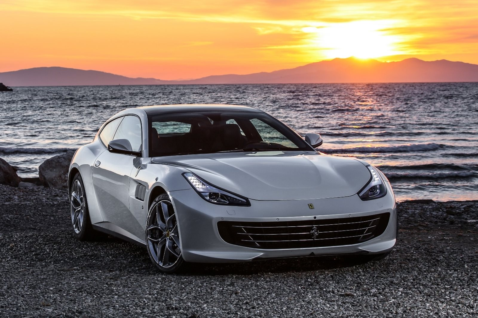 2018 ferrari gtc4lusso t review trims specs and price carbuzz. Black Bedroom Furniture Sets. Home Design Ideas