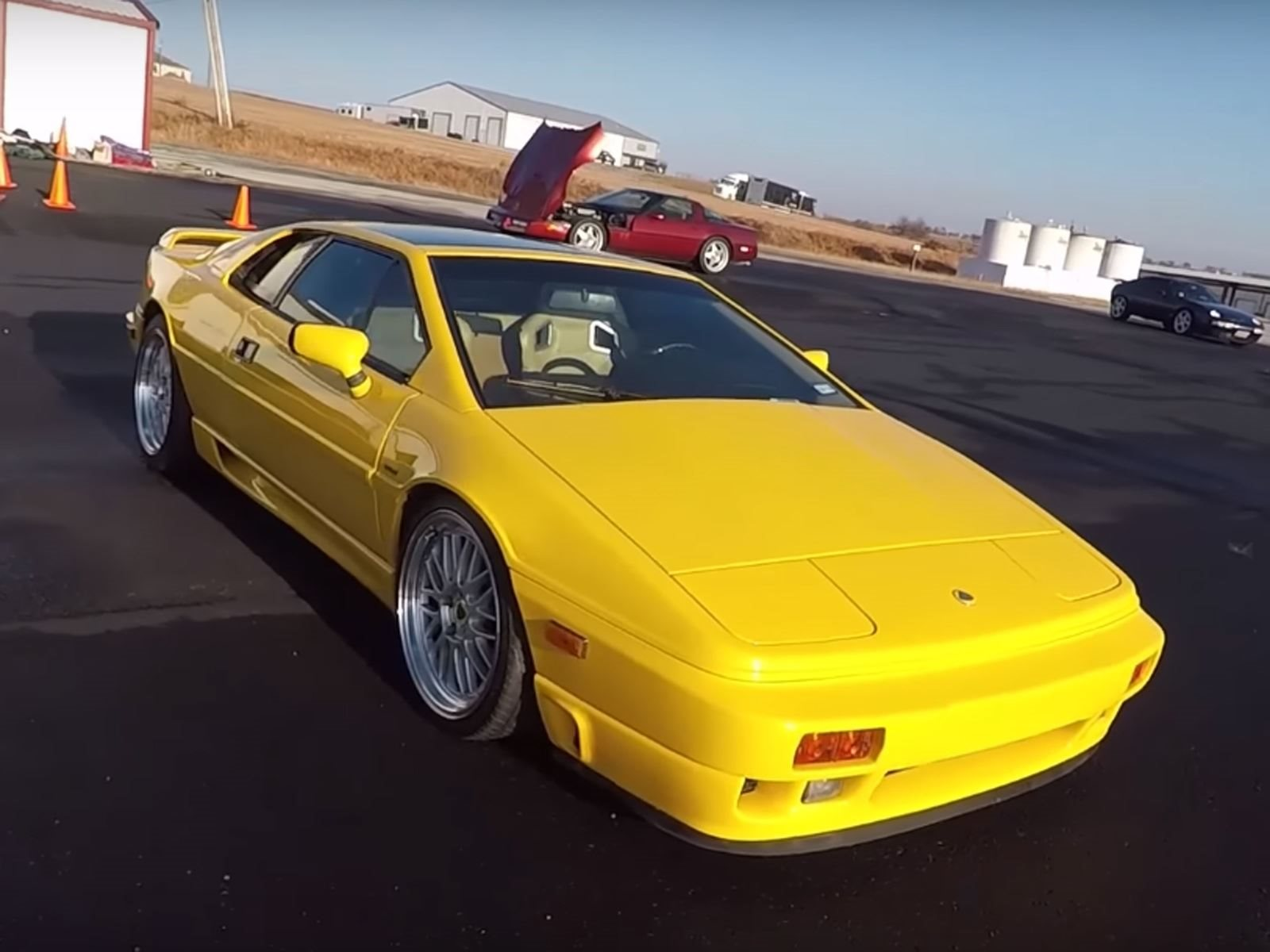 The Old School Lotus Esprit SE Is Still Your Best Entry-Level Exotic ...
