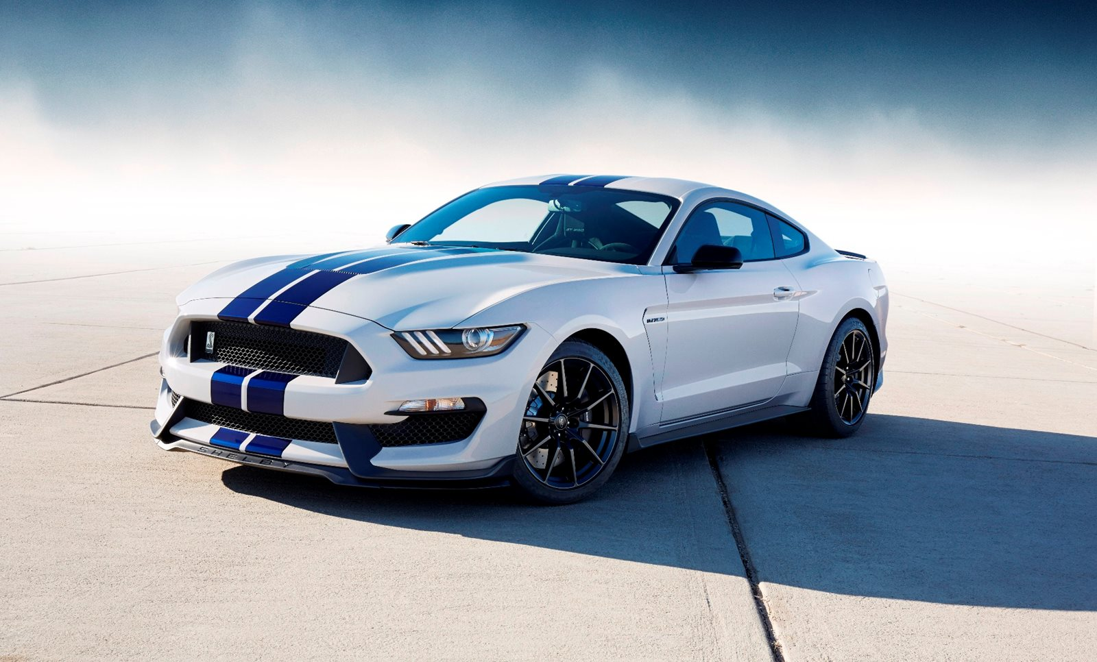 2018 Shelby Gt350 >> 2018 Ford Mustang Shelby Review Trims Specs And Price Carbuzz