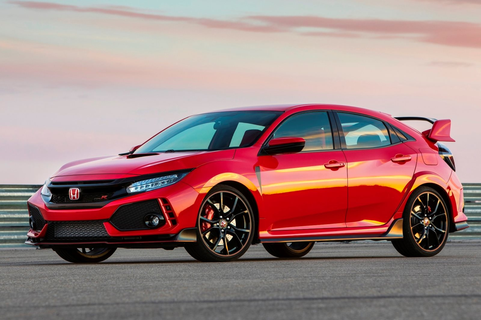 2018 honda civic type r review trims specs and price carbuzz. Black Bedroom Furniture Sets. Home Design Ideas