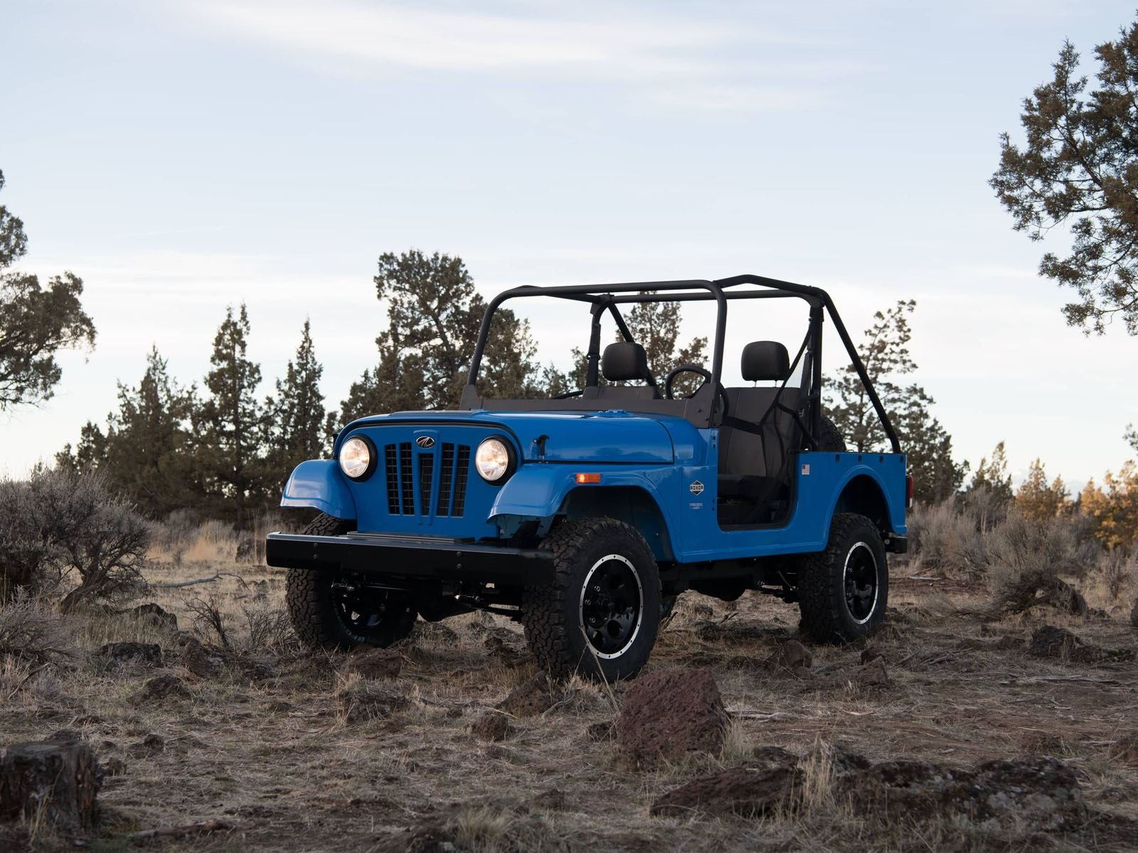 Mahindra Roxor Is One Bad Ass Mini Jeep But There S A Catch Carbuzz