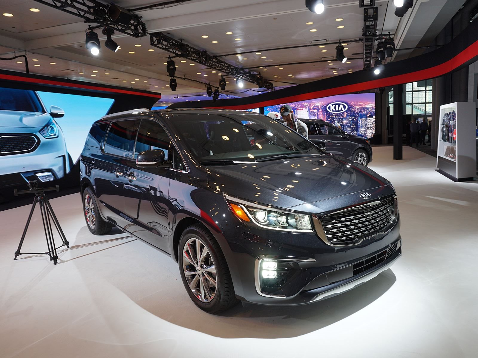 2019 Kia Sedona Debuts With Bold Styling And New Tech Carbuzz