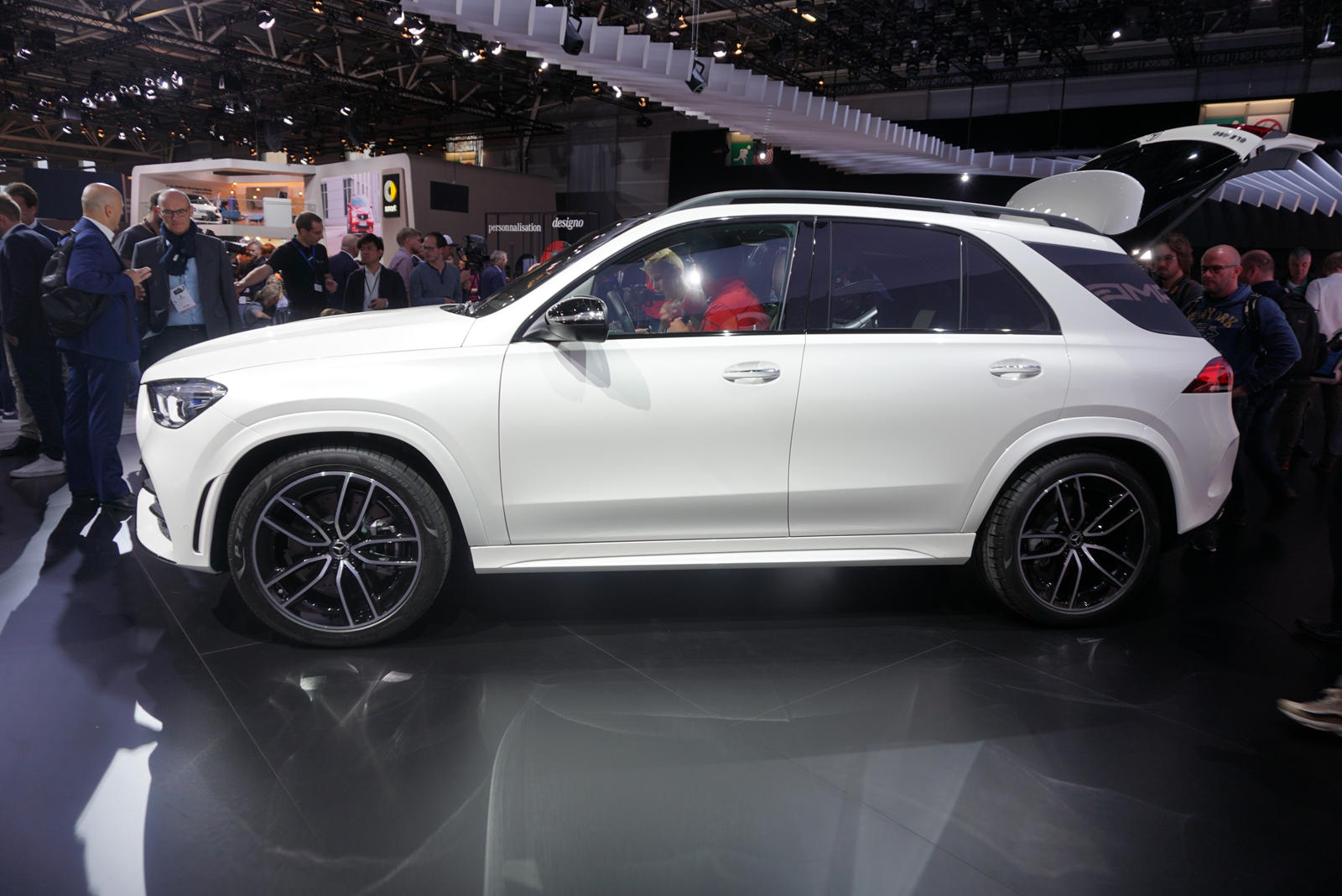 All-New 2020 Mercedes-Benz GLE SUV Bows In Paris - CarBuzz