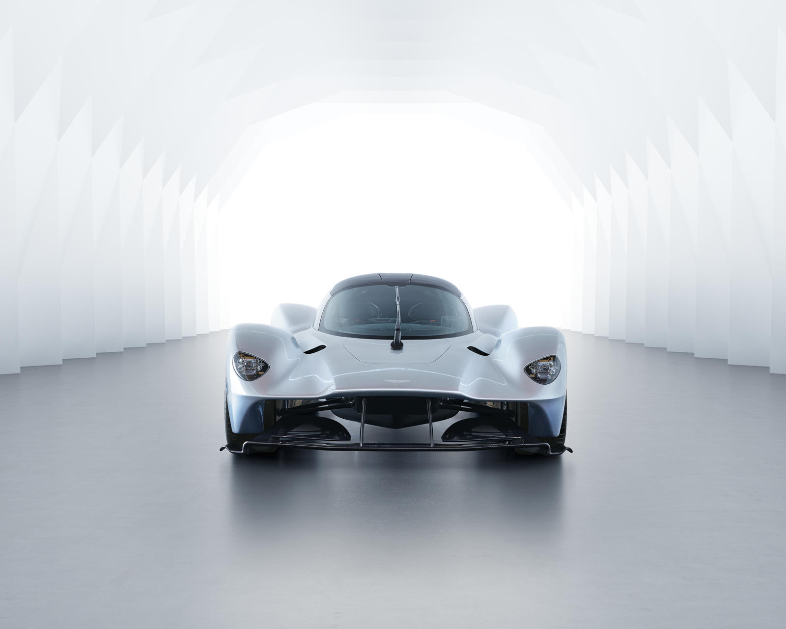 the aston martin valkyrie sounds like dad's formula 1 - carbuzz