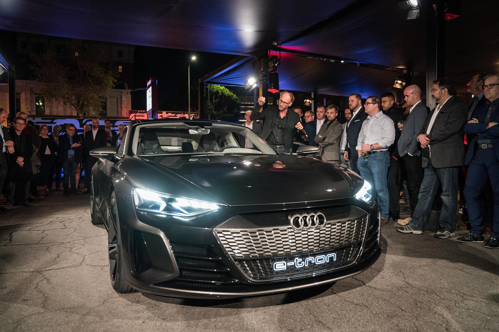 Audi E Tron Gt Concepts La Debut Is A Huge Party Carbuzz