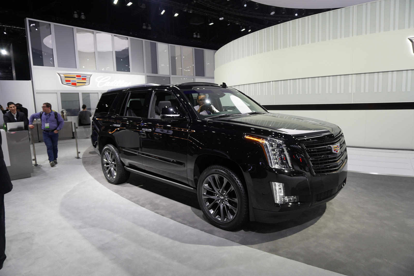 Cadillac Escalade Gets Bold New Look With New Sport Edition Carbuzz