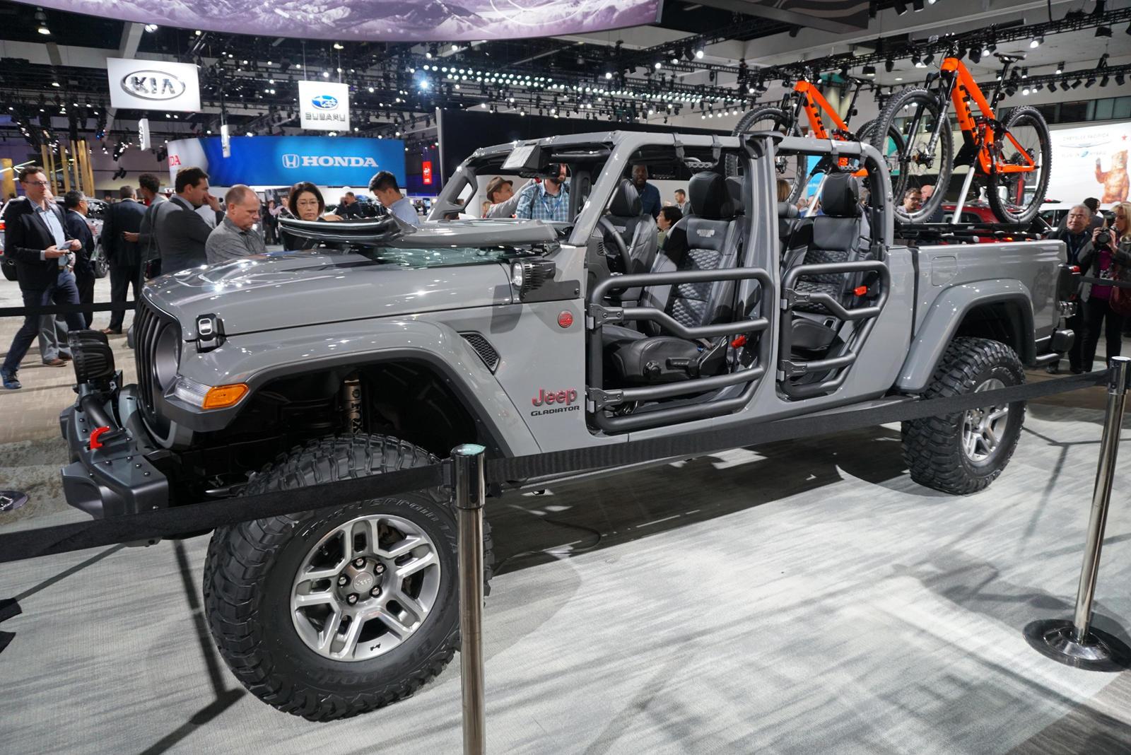 Mopar S Ready To Modify The New Jeep Gladiator Carbuzz