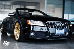 Audi S5 Shows Gold is the New Black