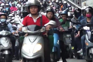 Huge Moped Traffic Jam in Taiwan