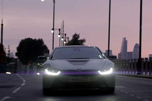 BMW UK Drives i8 Through London to Get Crowd Reactions