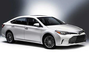 Toyota Unveils A New And Slightly Less Forgettable Avalon At The Chicago Auto Show