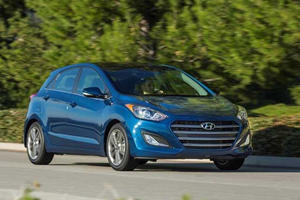 Hyundai Reveals Facelifted Elantra GT In Chicago, Still A Good Value For Money