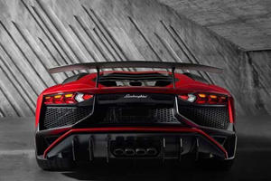 Get An Earful Of The Lamborghini Aventador SV's V12 Firing Up