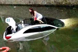 Is The Mercedes CLA The Worst Submarine Of All Time?