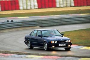 BMW M5 Evolution: The Handbuilt Hoon Machine