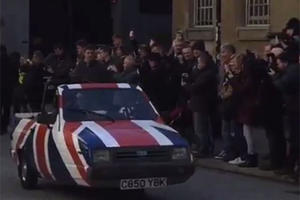 Which 'Top Gear' Presenter Is In An All-American Reliant Robin?