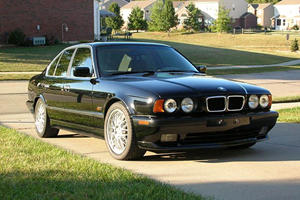 This Is The Badass Manual And V12 5 Series BMW Should Have Built