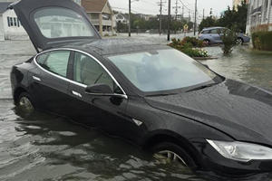 Tesla Driver Accidentally Discovers That The Model S Can Float In Water