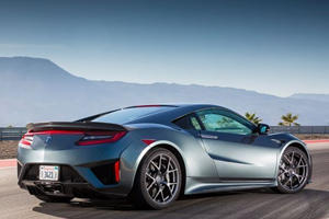 The New Acura NSX Isn't Having That Halo Model Effect
