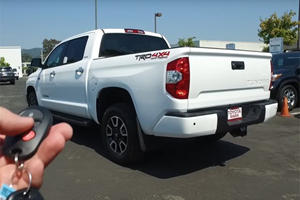 The Toyota Tundra Is An Old School Truck Masterpiece