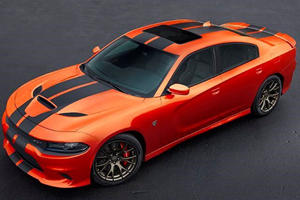 Thieves Steal Hellcat From Dealership In 90 Seconds Using Tow Truck