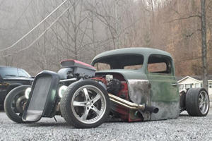 Unique Of The Week: Turning A Wrecked Ford Mustang Into A Rat Rod Should Become A Thing
