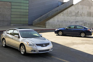 The Nissan Altima's Birthday Present: A $950 Special Package
