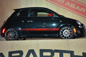 LA 2011: The Abarth 500 Officially Unveiled; Sans Romanian Model