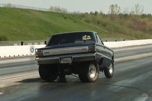 Ultra Powerful Plymouth Belvedere Loses Rear End During Hard Launch