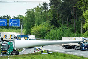 Giant Wind Turbine Crushes Truck On German Autobahn