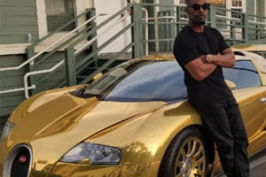 Jamie Foxx Shows Off His Gold Bugatti Veyron